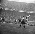 Feyenoord tegen Ajax 1-1, duel Luyten, Haak en Piet Keizer (Ajax), Bestanddeelnr 918-6561.jpg