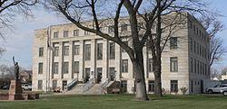 Finney County, Kansas courthouse from NE 1.JPG