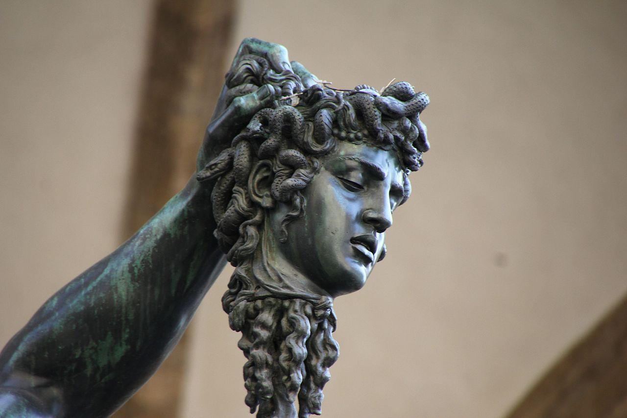 Benvenuto Cellini, Perseo con la testa di Medusa (particolare della testa di Medusa), c. 1554, Loggia dei Lanzi, Piazza della Signoria, Firenze