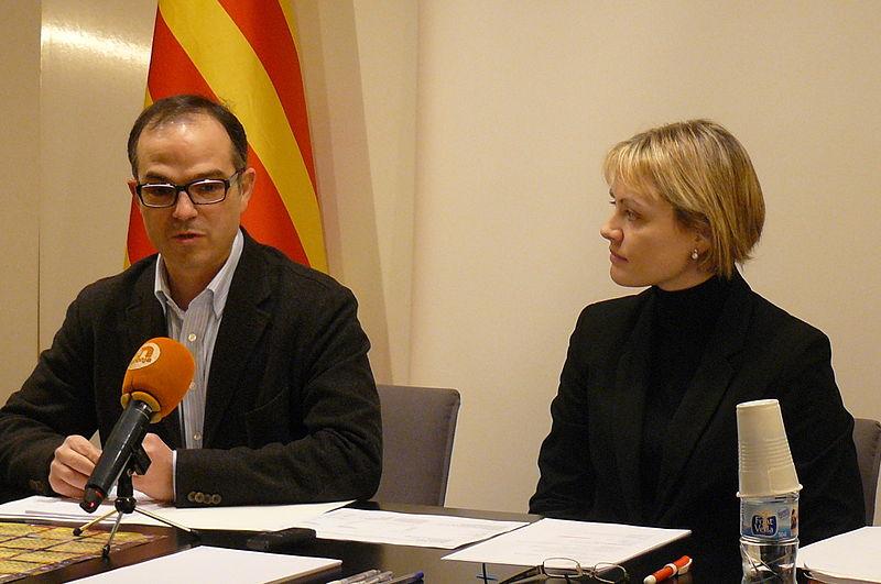File:Flickr - Convergència Democràtica de Catalunya - Jordi Turull i Maria Senserrich en roda de premsa a Igualada (3).jpg