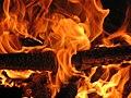 Foc in cuptor - panoramio (2).jpg