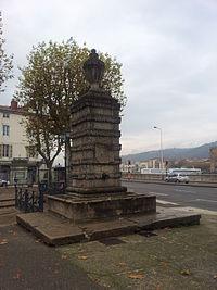 Fontaine du Jeu de Paume.jpg