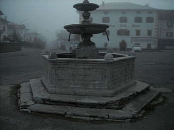Fontana nella nebbia.JPG