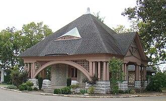 Frankfort Cemetery - Chapel