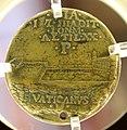 Giancristoforo romano (ambito), medaglia di giulio II col cortile del belvedere, 1503-13 ca. 02.jpg