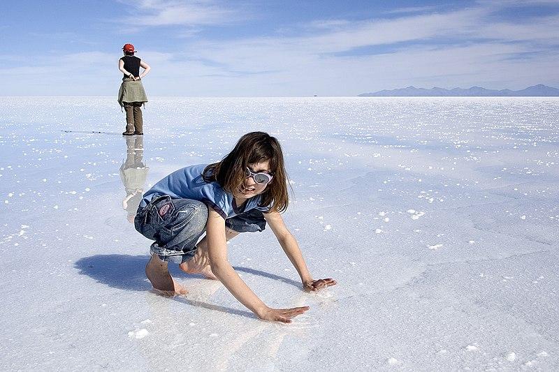 Image:Giulia on wet Salar de Uyuni Bolivia Luca Galuzzi 2006.jpg