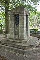 Graf met urnen, Den Haag 01.jpg