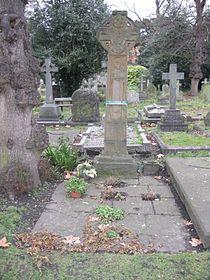Grave of Emmeline Pankhurst.JPG