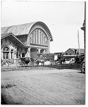 Great Western Railway (Ontario) - Great Western Railway station in Toronto in 1867 (later as Toronto Wholesale Fruit Market and now site of Sony Centre for the Performing Arts)
