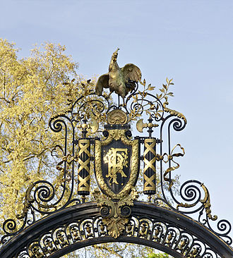 Gallic rooster - Gallic rooster on the garden gate of the Palais de l'Elysée in Paris, the official residence of the President of the French Republic.
