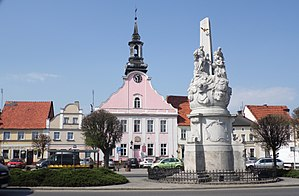 Rydzyna - Market Square and monument from 1761