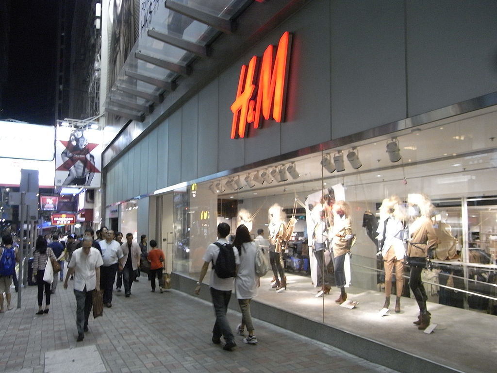 K & m clothing store