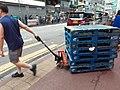 HK Kln 九龍城 Kowloon City 土瓜灣 To Kwa Wan 馬頭角道 Ma Tau Kok Road near 炮杖街 Pau Chung Street outdoor wet food market June 2020 SS2 man at work 01.jpg