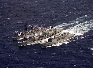 HMCS Provider (AOR 508) - Image: HMCS Provider (AOR 508) refueling HMAS Darwin (FFG 04) and USS Berkeley (DDG 15) 1986