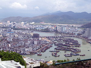 海南三亞市全景右(Right part of City Sanya in Hainan China)