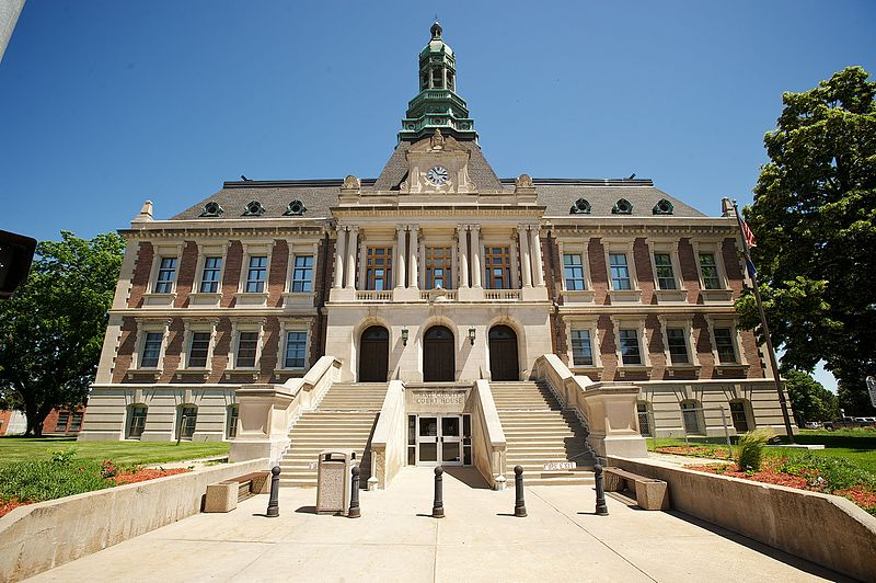 File:Hall Co Courthouse 6.jpg