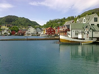 English: The harbour in Våge, located in the m...