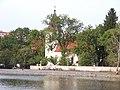Hamrák a kostel.jpg