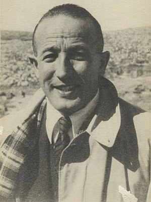 Schwarz-Weiß-Porträtfoto von Hans Beyth