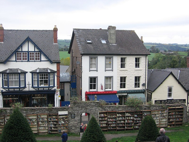 File:Hay-on-Wye, taken from the castle.jpg
