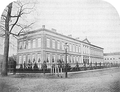 Heike Kamerlingh Onnes - 19 - The laboratory at the Steenschuur in Leiden, the Netherlands, shortly after completion in 1859 The physics department resided in the right wing.png