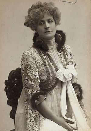Henrietta Crosman - Crosman in a publicity still from the Broadway play Madeline (1906)