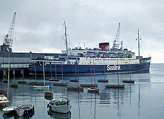 Carlisle Pier - Image: Hibernia at Carlisle Pier, Dun Laoghaire 1973 (1) (geograph 5345347)