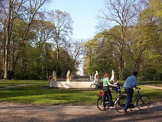 Haarlemmerhout - Image: Hildebrand monument Haarlem