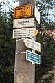 Hluboká u Krucemburku rozcestníky.jpg