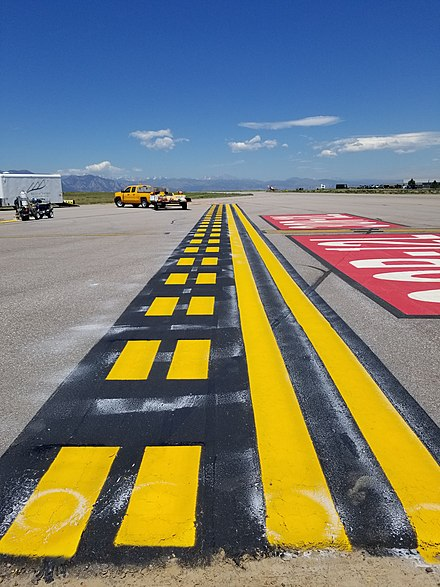 Taxiway - Wikiwand