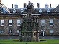 Holyrood Fountain - panoramio.jpg