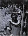 Huvudbonader med fjädrar, arm band, Chacobo; manstyp. Gran Chaco. Bolivia - SMVK - 0072.0065.tif