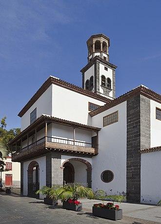 Iglesia de la Concepción (Santa Cruz de Tenerife) - Image: Iglesia de Nuestra Señora de la Concepción, Santa Cruz de Tenerife, España, 2012 12 15, DD 04