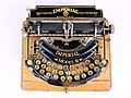 Imperial typewriter model B with Cyrillic letters 01.jpg