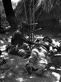 Indian som botas för sjukdom hos en medicinman (sugningar och dylikt). Bolivianska Chaco - SMVK - 004804.tif
