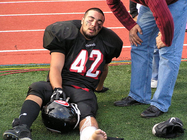injured football player