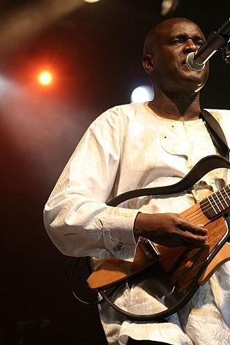 Ismaël Lô - Lô at Mumes Festival, 2007