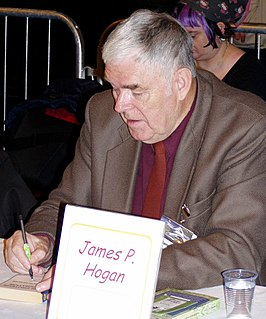 James P. Hogan op de 63ste World Science Fiction Convention in Glasgow in augustus 2005