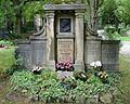 Jena Nordfriedhof Riedel.jpg