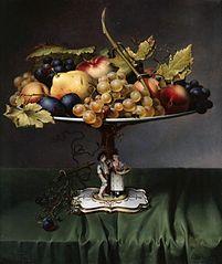 Früchte auf einer Porzellanschale