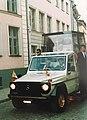 Johannes Paulus II eskort möödumas Šoti Klubist 1993.jpg