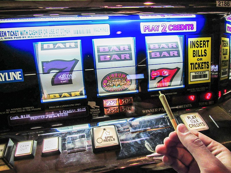 File:Joint Las Vegas Slot Machine.jpg