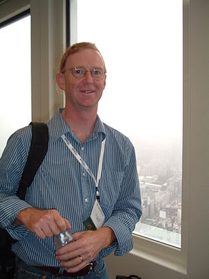 LWN.net - Jonathan Corbet at LinuxCon Japan (2010)