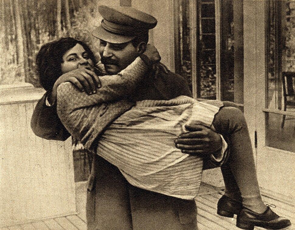 Joseph Stalin with daughter Svetlana, 1935