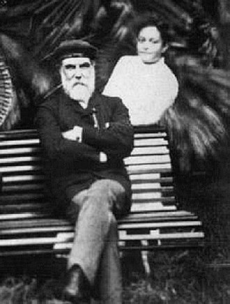 Archibald Scott Cleghorn - Cleghorn and his daughter Kaʻiulani at the ʻĀinahau estate, 1887.