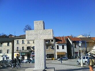 Široki Brijeg - Cross in downtown, made by Anđelko Mikulić, 2000.