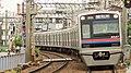Keisei-electric-railway-3027F-20140526.jpg
