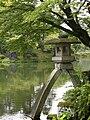 Kenroku-en Kotoji Lantern.jpg