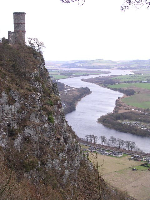 Kinnoull Hill and the River Tay - geograph.org.uk - 8703