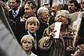 Koninginnedag 1979, defile Soestdijk koningin Juliana tijdens rondgang door tui, Bestanddeelnr 253-8089.jpg